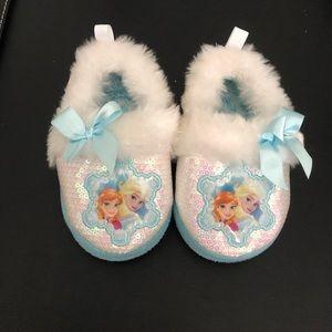 FROZEN slippers. Toddler girl size 5/6